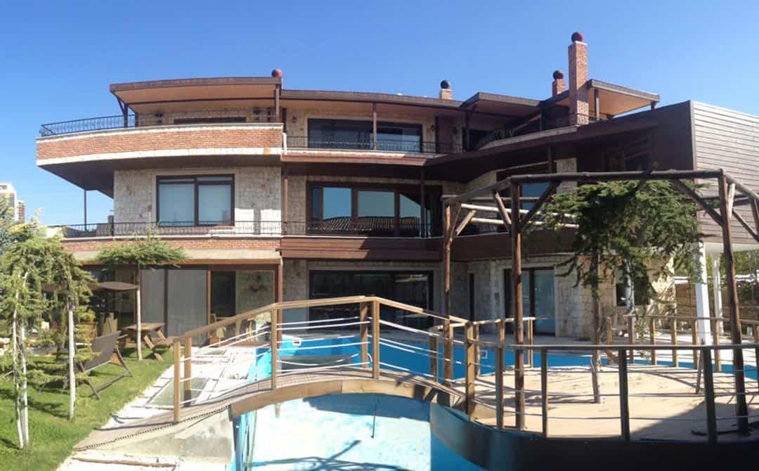Villa Pimapen Kapı Pencere